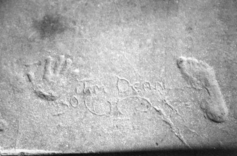 Denn at James Dean Footprints