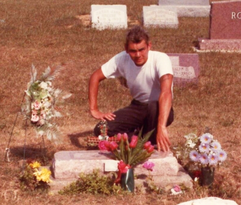 Roy Phillips @ James Dean's grave (August 1983)