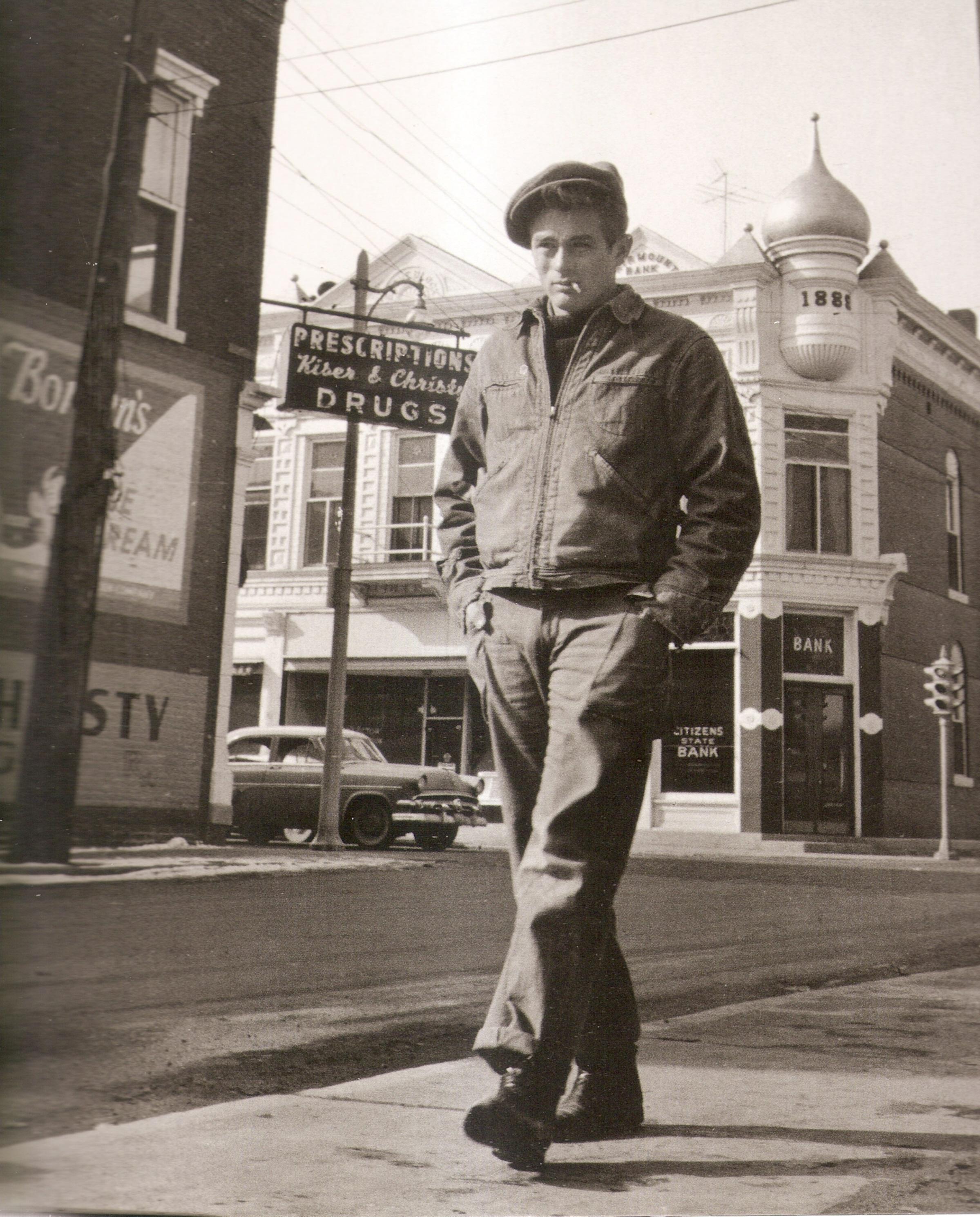 James Dean walking on Washington St. #3
