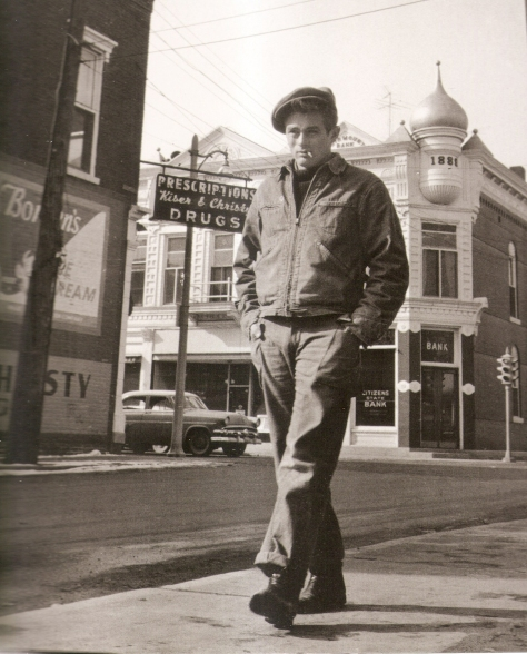 James Dean walking on Washington St. #3